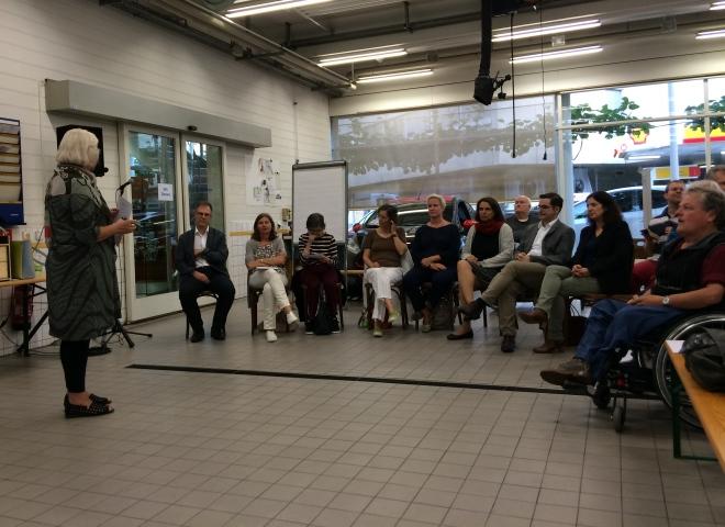 Zweiter Stammtisch des ak Behindertengleichstellung mit PolitikerInnen der Grünen, BastA!, GLP, LDP, SP und FDP.